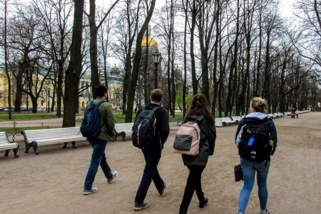 DukeEngage students walking through a Russian city