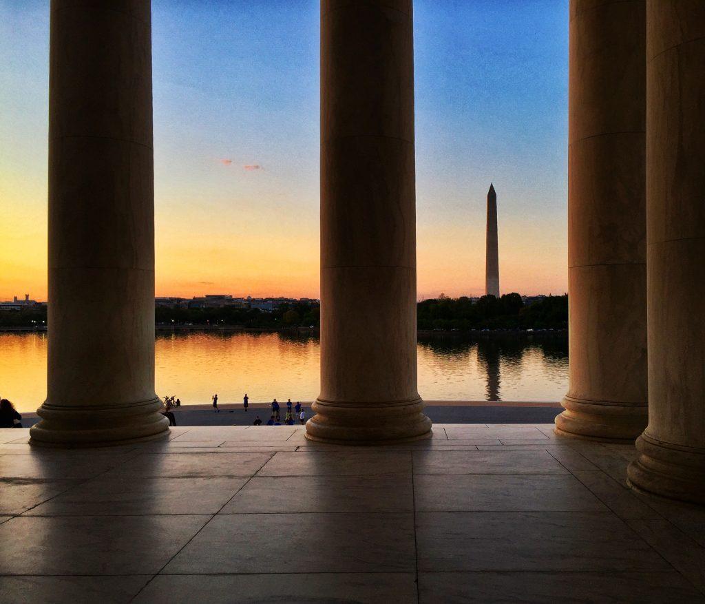 Image of the Washington Monument at sunset