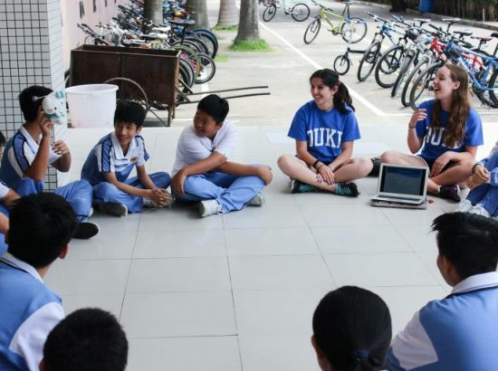 DukeEngage students with students in Zhuhai, China, 2016