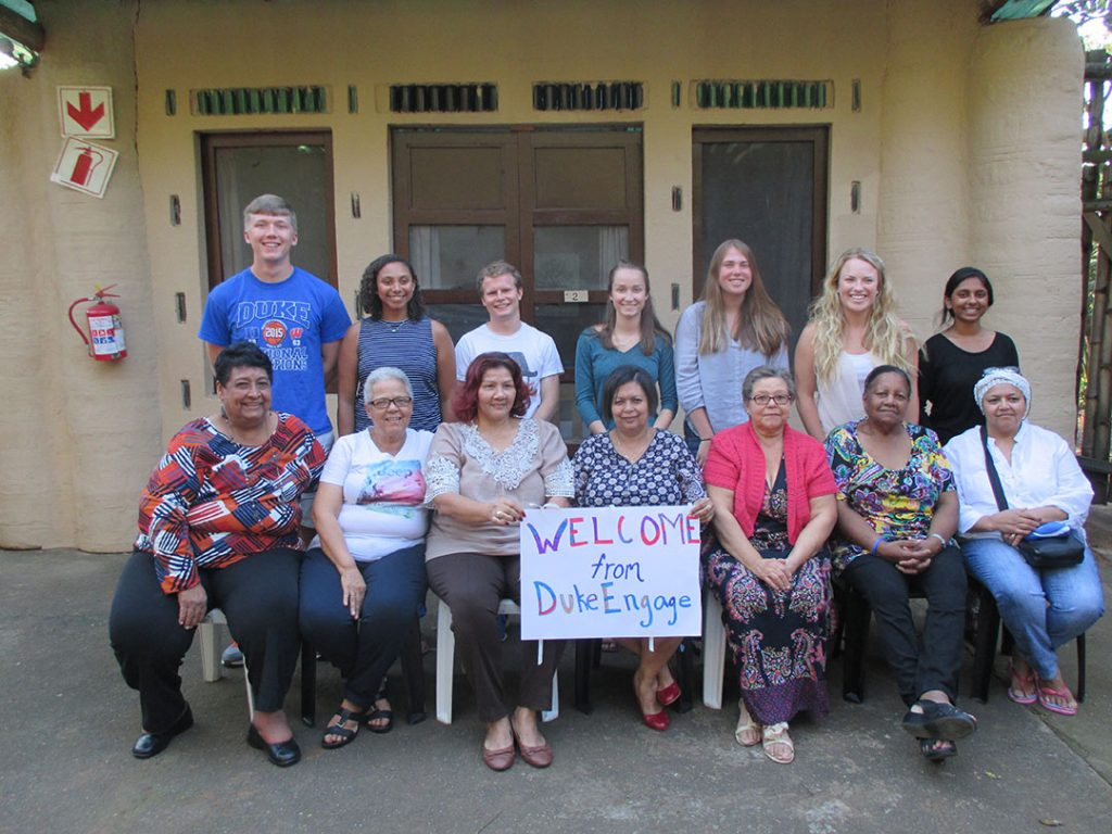 DukeEngage students and homestay moms.